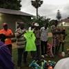 dr ndundu toont de truitjes met solfa logo